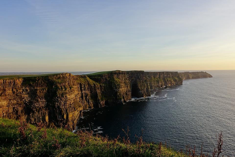 cliffs-3714865_960_720